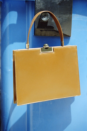 Extra box calf leather handbag in Havana yellow, 1971