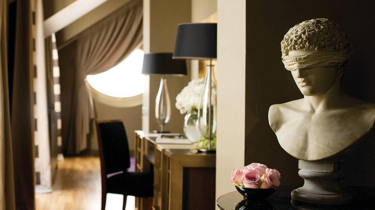 Four Seasons Hotel Milano designer room