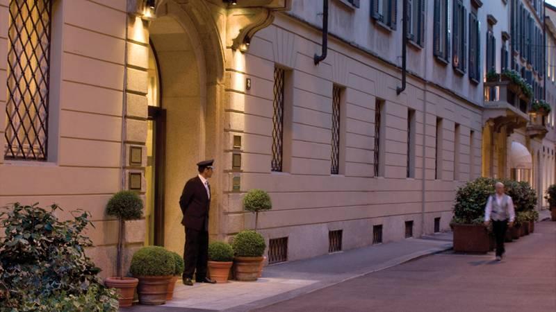 Four Seasons Hotel Milano Entrance