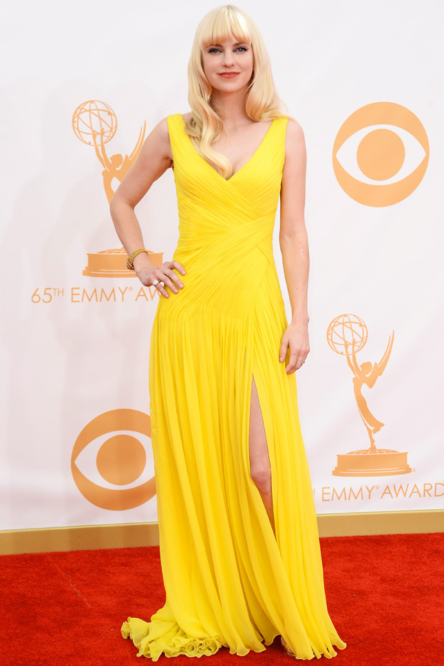 Anna Faris, in Monique Lhuillier, with Fred Leighton jewels.
