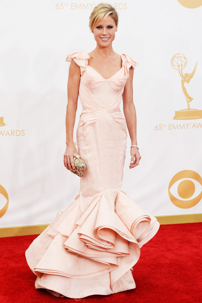 Julie Bowen, in Zac Posen, with Jacob & Co. jewels and a Marchesa clutch.