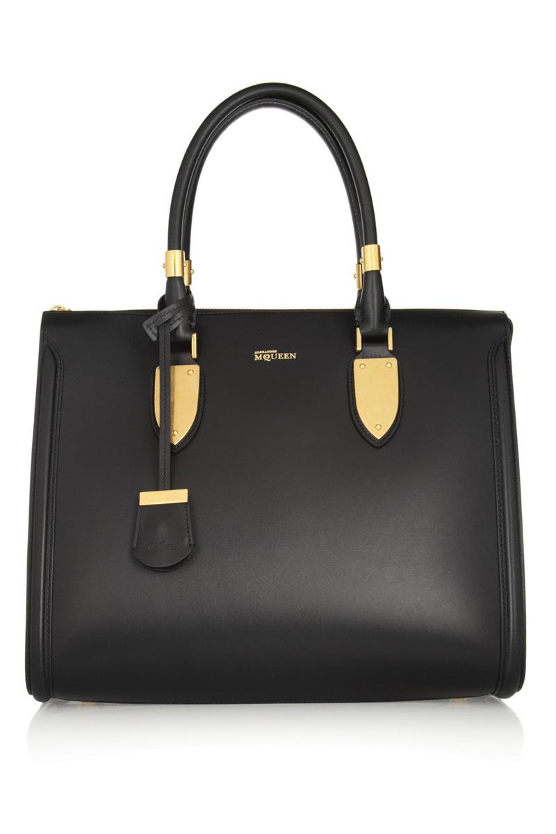 Alexander McQueen Heroine Bag (1.995 €).