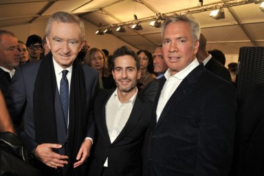 Bernard Arnault, Marc Jacobs and Robert Duffy backstage at the Louis Vuitton spring 2014 show.