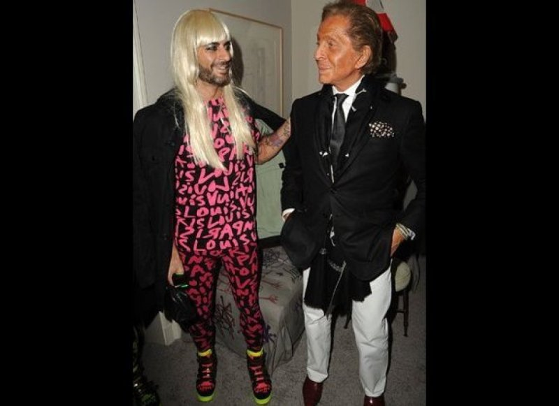 Marc Jacobs (left) and Valentino Garavani attend Allison Sarofim's 80s-themed Halloween party. (2009)