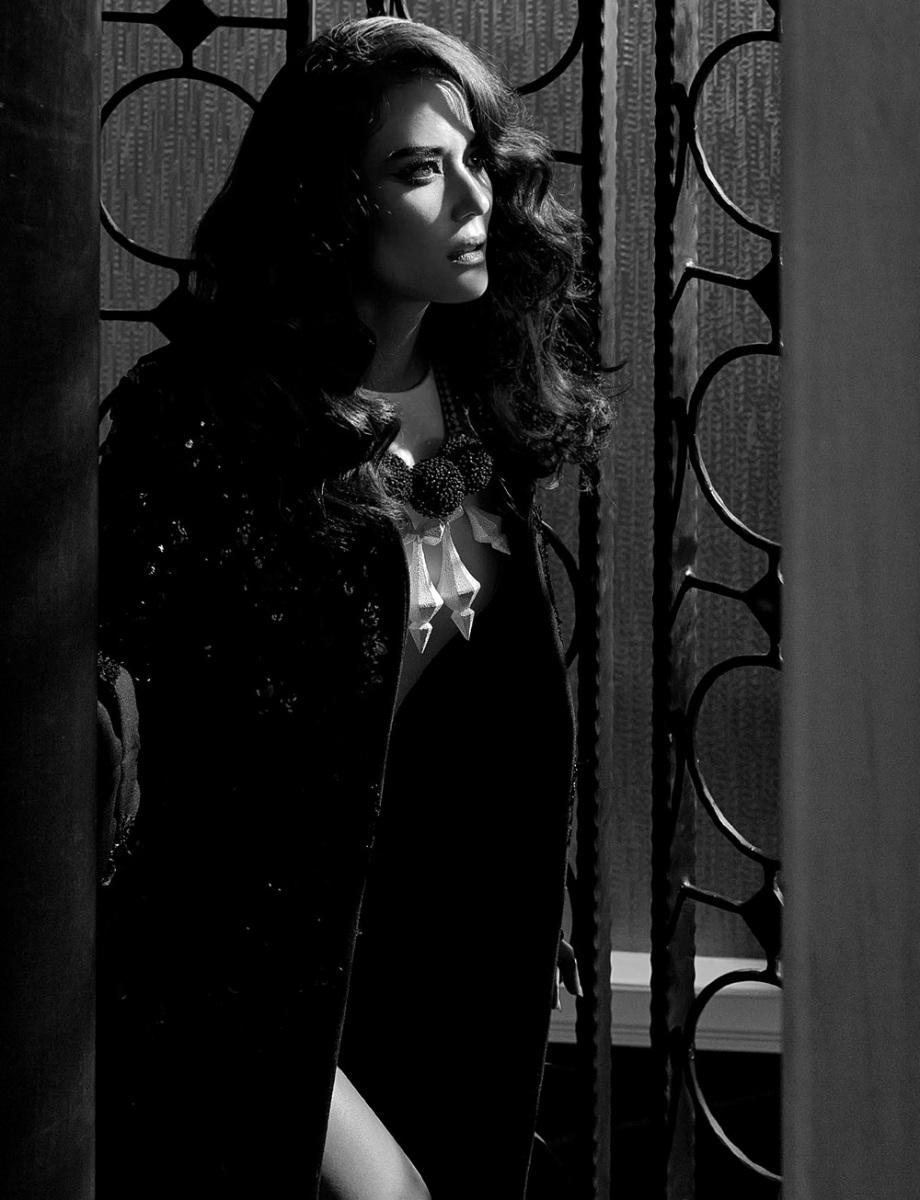Susira Angelina Naenna by Pisid Whangvisarn for Numéro Thailand November 2013