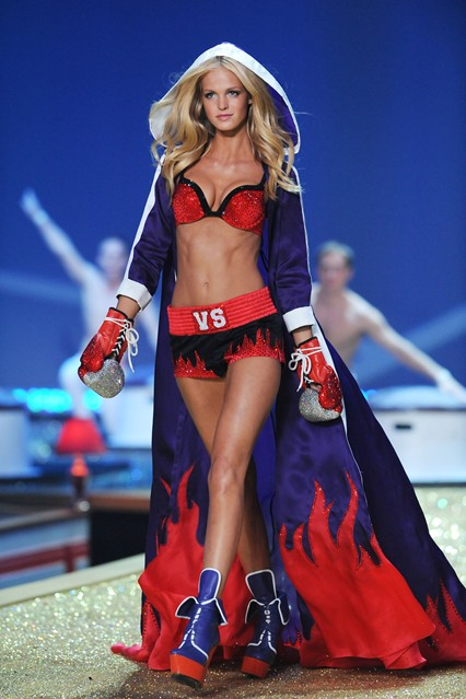 Erin Heatherton at VSFS 2013