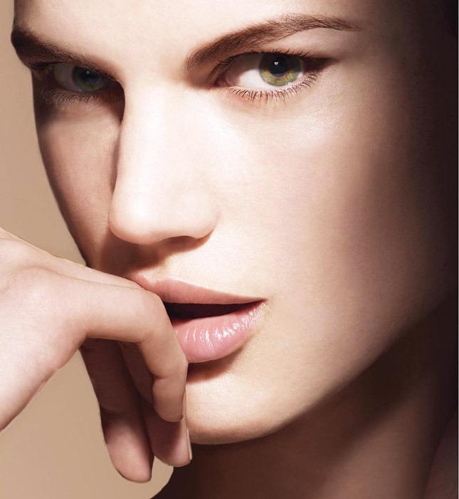 Giorgio Armani's Maestro Fusion Makeup Compact