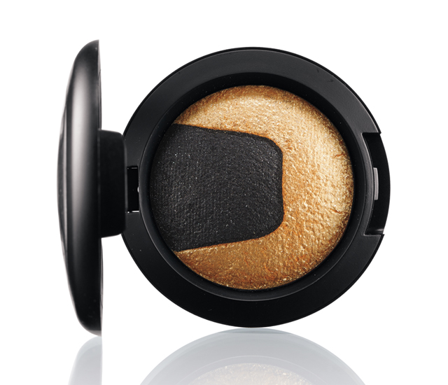 M.A.C Divine Night Mineralize Eye Shadow, in Gilded Night