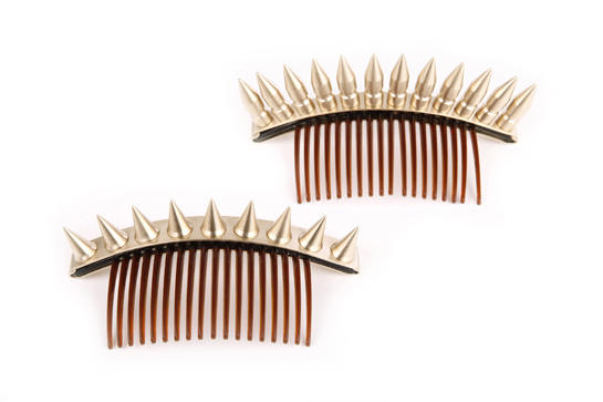 Solene comb, comb with bullets, and 312 euros Solinne comb with spades, 312 euros