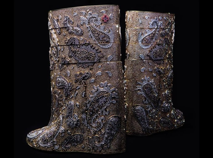 A.F.Vandevorst's diamond boots worth $ 3.1 million