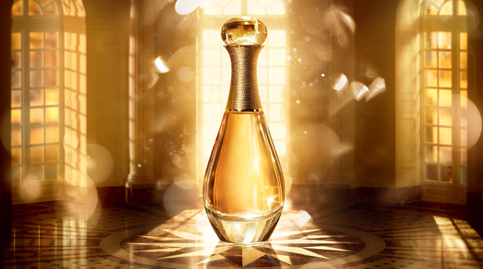 "The fashion house continues their Golden Christmas dream with a new video in support of the collection that stars the Christmas version of the legendary fragrance of the house of Dior J'adore. ""J'adore l'Or is an impressionist bouquet whose seductive air is magnified by the sensuality of its oriental notes "", explains François Demachy, the house's exclusive perfumer-creator. J'adore l'Or  is being offered in a prestigious limited edition: its glass bottle, with an impressive capacity of 400ml, is set off with a sculpted cap dipped in a bath of gold.  Palace of Versailles, fabulous carousel, a sparkling  precious fountains are the ingredients of Dior's Christmas fairytale."