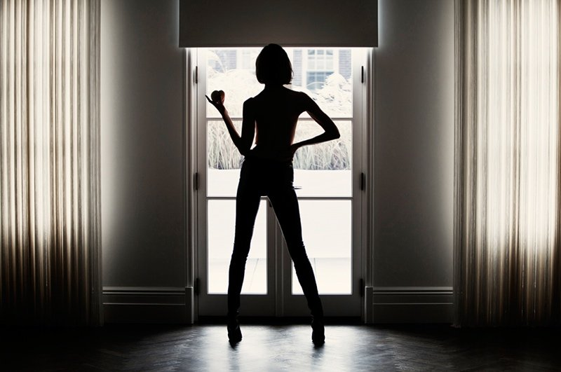 "Karlie Kloss stars in Tamara Mellon's ""High Heels & Sharp Knives"" video"