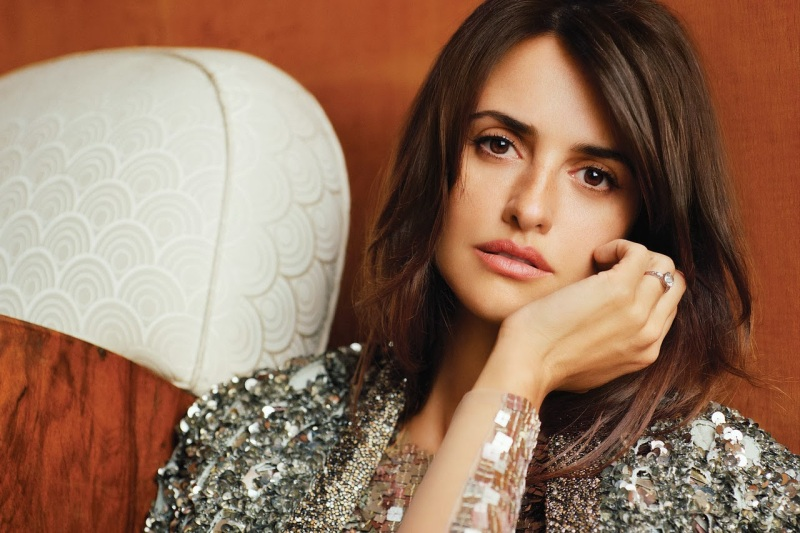 Penélope Cruz by Alasdair McLellan for WSJ December 2013/January 2014