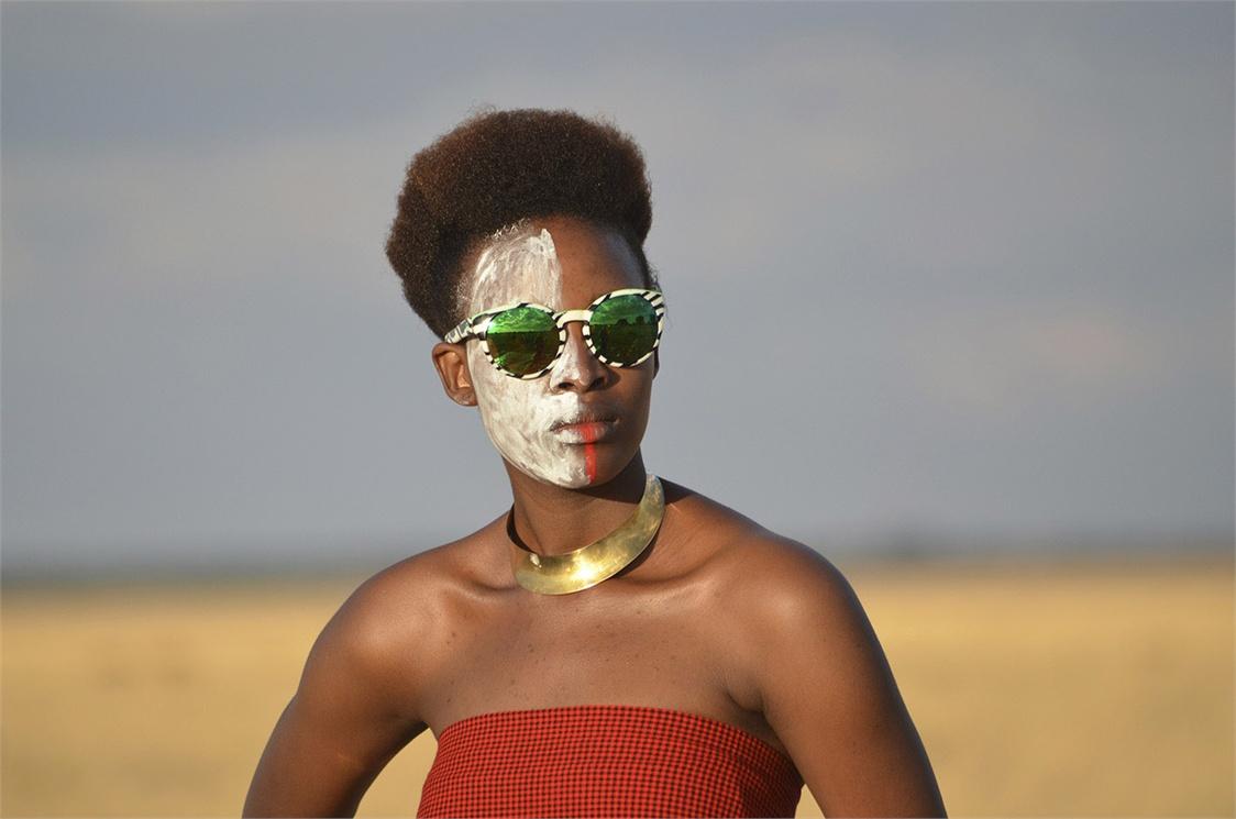 Wild Love in Africa : Steve McCurry for Etnia Barcelona sunglasses