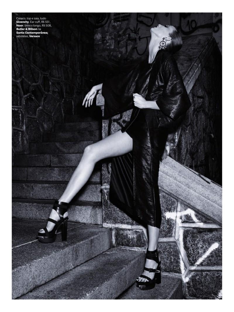 Karlie Kloss by Henrique Gendre for Vogue Brasil July 2014