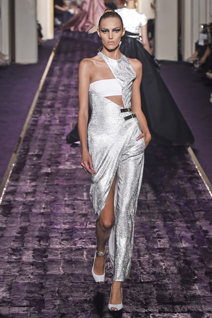 Best of atelier versace fall 2014 haute couture the for Haute couture atelier