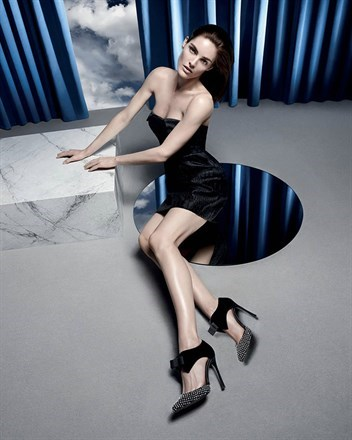 Hilary Rhoda fronts Sergio Rossi Fall 2014 ad campaign