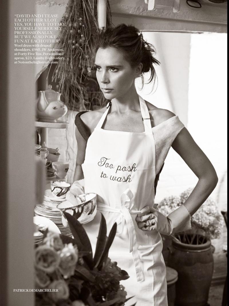Victoria Beckham por Patrick Demarchelier para a Vogue UK agosto 2014