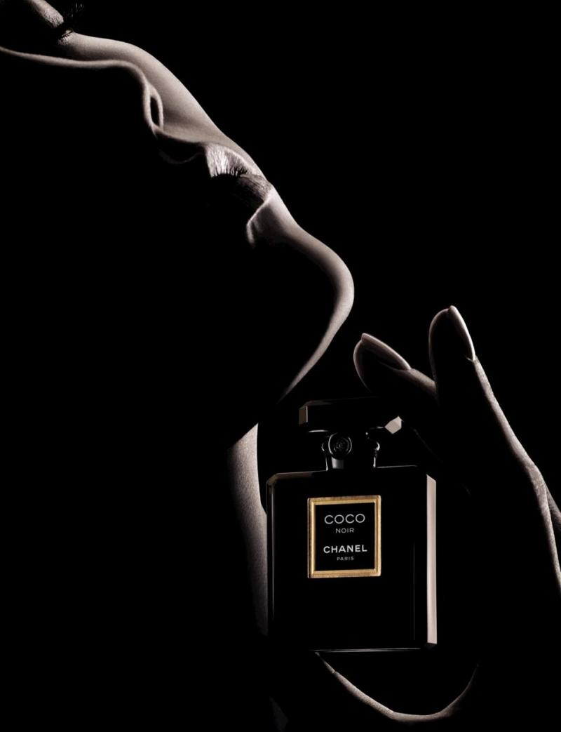Karlie Kloss the new face of Chanel Coco Noir